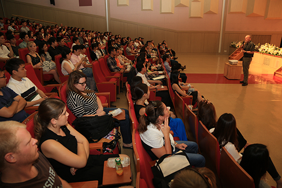 Foreign Students Learn Korea through Summer School